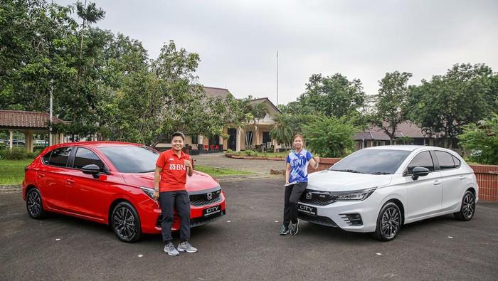 Greysia Polii/Apriyani Rahayu mendapatkan hadiah mobil. (Foto: dok.Honda